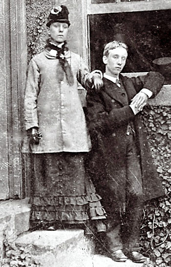 Jessie Wright Bell Waugh with her brother Charles c 1881